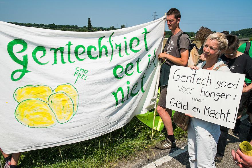 Nederland, Wageningen, 9 juni 2013<br /> Demonstratie tegen gentech gewassen.<br /> <br /> Foto(c): Michiel Wijnbergh