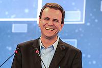 RIO DE JANEIRO, RJ, 02 AGOSTO 2012 - ELECOES 2012 - DEBATE BAND - PREFEITURA DO RIO DE JANEIRO - O candidato do PMDB a prefeitura do Rio de Janeiro Eduardo Paes durante debate na TV Band na sede da Band Rio em Botafogo no Rio de Janeiro, nesta quinta-feira, 02. (FOTO: MARCELO FONSECA / BRAZIL PHOTO PRESS).