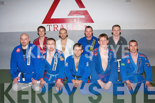 0923-0930.---------.Double World Champion.---------------------.Ryan Hall(front centre)from the USA, who holds 2 world titles and a European title in Brazilian Jiu Jitsu gave great advice to the members of Tralee's Gracie Barra club when he visited Tralee on September 23rd (front) Mike Loughlin, Tom Patten(instructor), Ryan Hall(guest), Francis Galvin(instructor)and Jonathon O'Sullivan(back)L-R Shane Galvin, Liam Beechinor, James O'Brien and PJ Lucey.