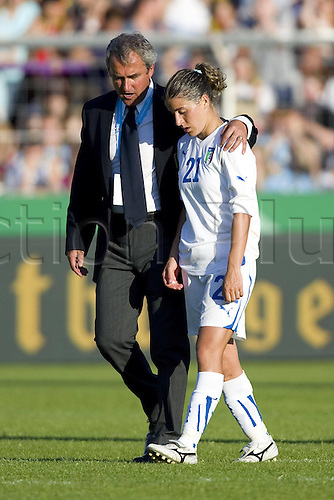 03.06.2011. International Womens Frienfly Football. Germany versus Italy.    team manager Pietro Ghedin left comforting Marta Carissimi  After the Game  Germany beat Italy by a score of 5 0
