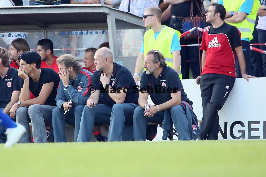 Trainer Thomas Schaaf (Eintracht) unzufrieden - VfB Unterliederbach vs. Eintracht Frankfurt