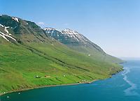 Brekka, Sólbrekka og Kastali séð til norðausturs, Fjarðabyggð áður Mjóafjarðarhreppur / Brekka, Solbrekka and Kastali viewing northeast, Fjardabyggd former Mjoafjardarhreppur.