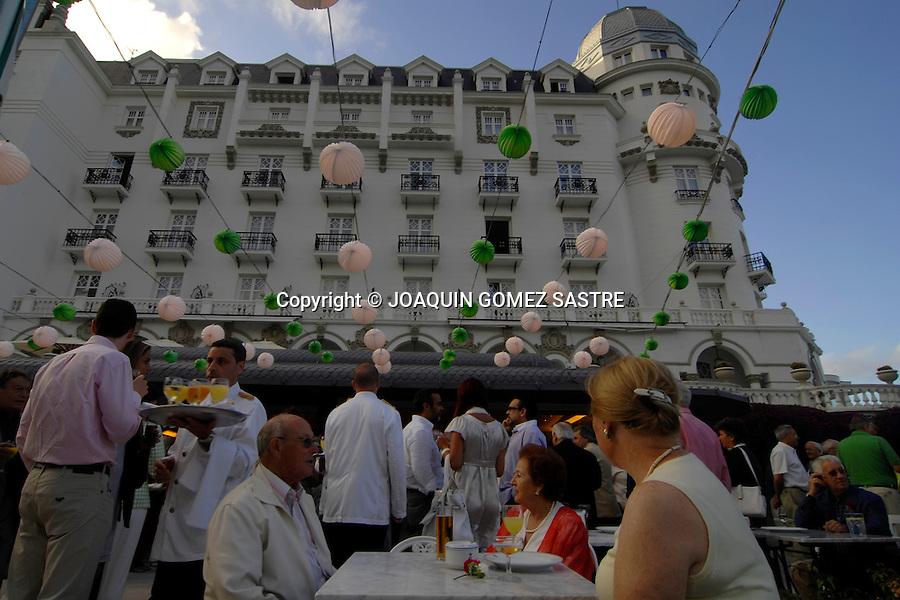 SANTANDER.Inaguracion de la Caseta del Hotel Real con motivo de la Feria de Santiago..foto JOAQUIN GOMEZ SASTRE