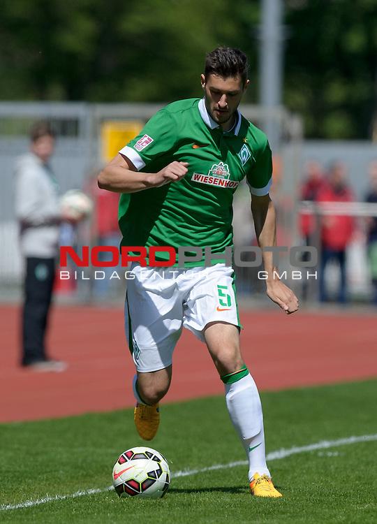10.05.2015, Platz 11, Bremen, GER, RLN, Werder Bremen II vs L&uuml;neburger SK, im Bild Torben Rehfeldt (Bremen #5)<br /> <br /> Foto &copy; nordphoto / Frisch