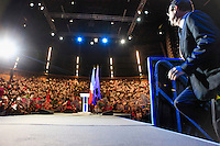 Meeting de François Hollande, candidat du Parti socialiste à l'élection présidentielle 2012 à Limoges. Vendredi 28 avril 2012 - 2012©Jean-Claude Coutausse / french-politics pour Le Monde