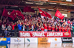 S&ouml;dert&auml;lje 2014-04-15 Basket SM-Semifinal 5 S&ouml;dert&auml;lje Kings - Uppsala Basket :  <br /> Uppsala Basket supporter p&aring; plats i T&auml;ljehallen<br /> (Foto: Kenta J&ouml;nsson) Nyckelord:  S&ouml;dert&auml;lje Kings SBBK Uppsala Basket SM Semifinal Semi T&auml;ljehallen supporter fans publik supporters