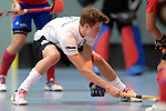GER - Mannheim, Germany, November 28: During the 1. Bundesliga Sued Herren indoor hockey match between Mannheimer HC (red) and TG Frankenthal (white) on November 28, 2015 at Irma-Roechling-Halle in Mannheim, Germany. Final score 7-7 (HT 3-3). (Photo by Dirk Markgraf / www.265-images.com) *** Local caption *** Johannes Gans #6 of TG Frankenthal