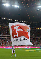 Fussball  1. Bundesliga  Saison 2013/2014   1. SPIELTAG FC Bayern Muenchen - Borussia Moenchengladbach       09.08.2013 DFL Bundesliga Fahne in der Allianz Arena