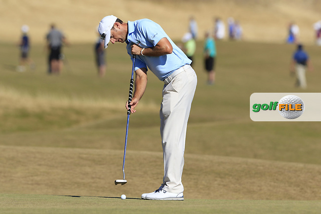 Jason Allred (USA) putts on the 5th green during Friday's Round 2 of the 2015 U.S. Open 115th National Championship held at Chambers Bay, Seattle, Washington, USA. 6/20/2015.<br /> Picture: Golffile | Eoin Clarke<br /> <br /> <br /> <br /> <br /> All photo usage must carry mandatory copyright credit (&copy; Golffile | Eoin Clarke)