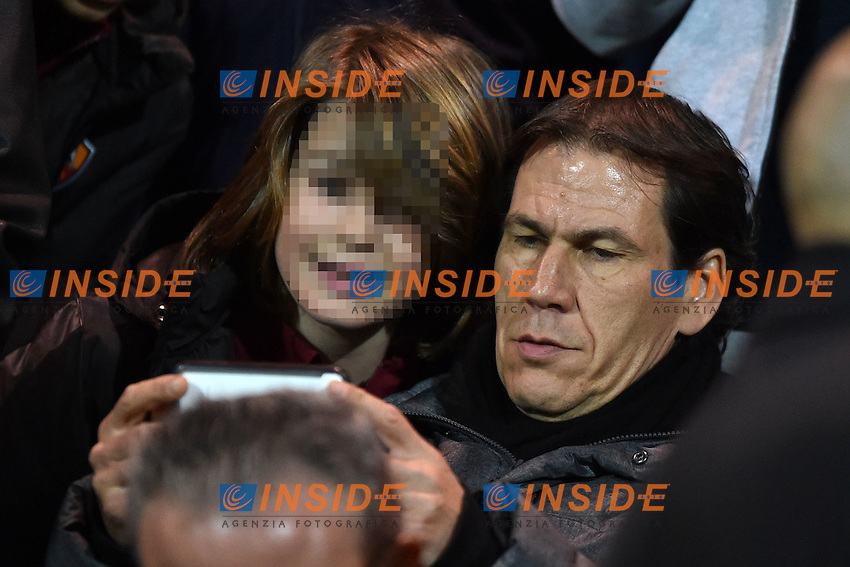 Rudi Garcia Selfie con tifoso <br /> Latina 17-03-2015 Stadio Domenico Francioni Football Calcio Youth Champions League 2014/2015 AS Roma - Manchester City. Foto Andrea Staccioli / Insidefoto