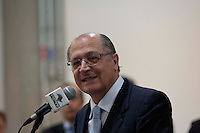 SAO PAULO,SP, 18 DE JUNHO DE 2012 - ENTREGA DO NOVO PREDIO DO ARQUICO PUBLICO DO ESTADO - O governador Geraldo Alckmin entrega nesta segunda-feira, 18, o novo edificio do Arquivo Publico do Estado de Sao Paulo, localizado na zona norte da capital paulista.O edificio possui 10 andares, sendo cinco com pe-direito duplo, destinados a guarda de acervos, num total de 23,5 mil metros quadrados de area construida.  FOTO RICARDO LOU/BRAZIL PHOTO PRESS