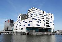 IJ-Dock Amsterdam. Paleis van Justitie aan het IJ.