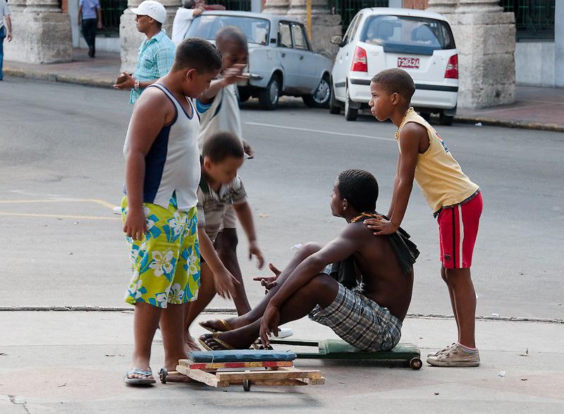 Havana kids with carts