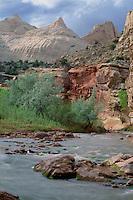 Fremont River and Navajo sandstone<br />   domes,  Capitol Reef<br /> Capitol Reef National Park<br /> Colorado Plateau,  Utah
