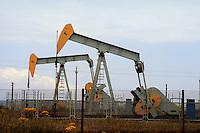 - ENI oil well near Ragusa (Sicily)....- pozzo di petrolio ENI presso Ragusa (Sicilia)