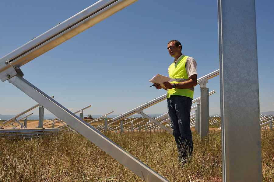 Ferme solaire Solairedirect : le parc des Mées 2  en construction