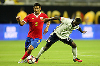 HOUSTON - UNITED STATES, 11-06-2016: Marlos Moreno (Der) jugador de Colombia (COL) disputa el balón con Celso Borges (Izq) jugador de Costa Rica (CRC) durante partido del grupo A fecha 3 por la Copa América Centenario USA 2016 jugado en el estadio NRG en Houston, Texas, USA. /  Marlos Moreno  (R) player of Colombia (COL) fights the ball with Celso Borges (L) player of Costa Rica (CRC)  during match of the group A date 3 for the Copa América Centenario USA 2016 played at NRG stadium in Houston, Texas ,USA. Photo: VizzorImage/ Luis Alvarez /Str
