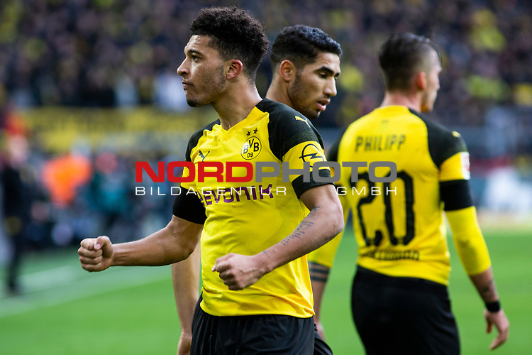 09.02.2019, Signal Iduna Park, Dortmund, GER, 1.FBL, Borussia Dortmund vs TSG 1899 Hoffenheim, DFL REGULATIONS PROHIBIT ANY USE OF PHOTOGRAPHS AS IMAGE SEQUENCES AND/OR QUASI-VIDEO<br /> <br /> im Bild | picture shows:<br /> Jadon Sancho (Borussia Dortmund #7) jubelt &uuml;ber sein Tor zum 1:0, <br /> <br /> Foto &copy; nordphoto / Rauch