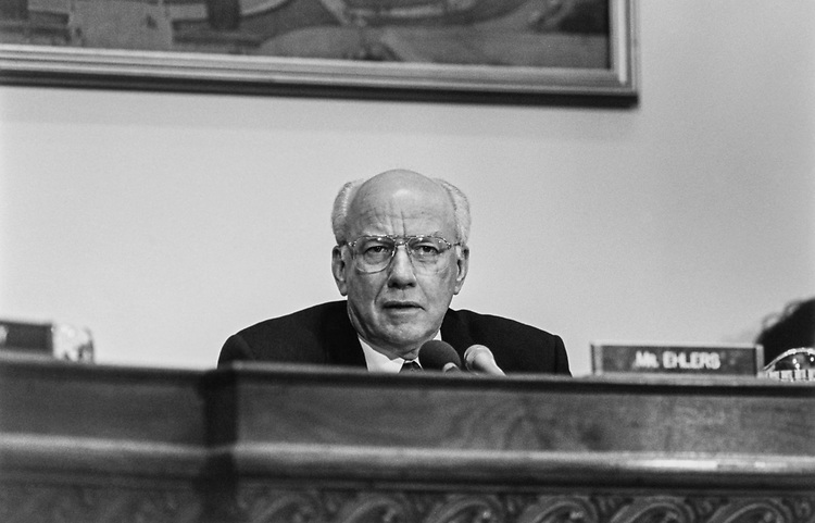 Rep. Vern Ehlers, R-Mich., at contested election hearing on Feb. 26, 1997. (Photo by Laura Patterson/CQ Roll Call via Getty Images)
