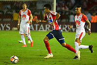 BARRANQUIILLA - COLOMBIA, 29-11-2018:Luis Diaz (Izq.) de Junior disputa el balón con Arley Rodriguez (Der.) del Santa Fe durante el encuentro entre Atlético Junior de Colombia e Independiente Santa Fe de Colombia por la semifinal, vuelta, de la Copa CONMEBOL Sudamericana 2018 jugado en el estadio Roberto Meléndez de la ciudad de Barranquilla. /Luis Diaz  (L) of Junior struggles for the ball with Arley Rodriguez (R) of Santa Fe during a semifinal second leg match between Atletico Junior of Colombia and Independiente Santa Fe of Colombia as a part of Copa CONMEBOL Sudamericana 2018 played at Roberto Melendez stadium in Barranquilla city Atletico Junior de Colombia e Independiente Santa Fe de Colombia en partido por la semifinal, vuelta, de la Copa CONMEBOL Sudamericana 2018 jugado en el estadio Roberto Meléndez de la ciudad de Barranquilla. / Atletico Junior of Colombia and Independiente Santa Fe of Colombia in Semifinal second leg match as a part of Copa CONMEBOL Sudamericana 2018 played at Roberto Melendez stadium in Barranquilla city.  Photo: VizzorImage/ Alfonso Cervantes / Cont
