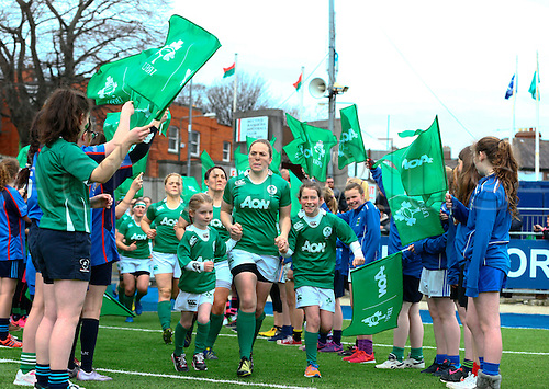 13.03.2016. Donnybrook Stadium, Dublin, Ireland. RBS Women's Six Nations Championships. Ireland versus Italy. Niamh Briggs (Captain Ireland) leads out the team.