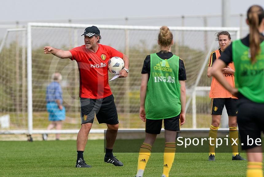 20180306 - LARNACA , CYPRUS :  Belgian assistant coach Kris Van Der Haegen (left) pictured during a Matchday -1 training from The Belgian Red Flames prior to their game against South Africa , on tuesday 6 March 2018 at the Alpha Sports Grounds in Larnaca , Cyprus . This will be the final game for Belgium during the Cyprus Womens Cup for a battle for the 5th place , a prestigious women soccer tournament as a preparation on the World Cup 2019 qualification duels. PHOTO SPORTPIX.BE | DAVID CATRY