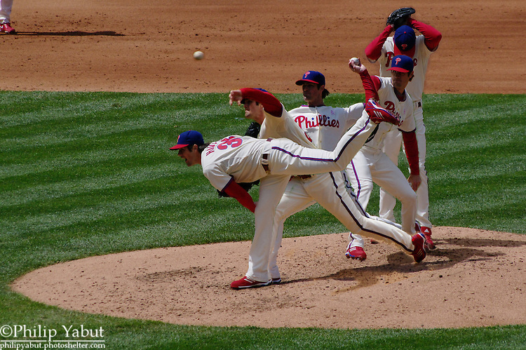 Phillies lefty Cole Hamels delivers a pitch against the Atlanta Braves.