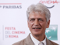L'attore Fabrizio Bentivoglio posa durante un photocall per la presentazione del film 'Dobbiamo parlare' al Festival Internazionale del Film di Roma, 21ottobre 2015.<br /> Italian actor Fabrizio Bentivoglio poses for a photocall to present the movie 'Dobbiamo parlare' during the international Rome Film Festival at Rome's Auditorium, 21October 2015.<br /> UPDATE IMAGES PRESS/Isabella Bonotto