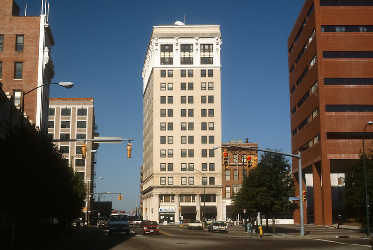 1987 October ..Conservation.Downtown West (A-1-3)..201 GRANBY STREET.ROYSTER BUILDING...NEG#.NRHA#..