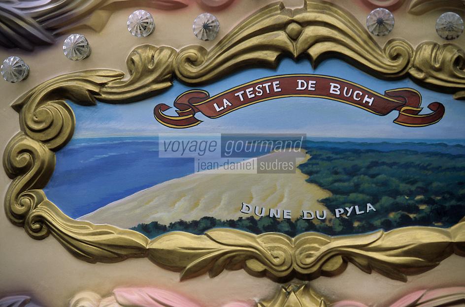Europe/France/Aquitaine/33/Gironde/Bassin d'Arcachon/Arcachon /Le Moulleau: Détail du décor d'un manège représentant la dune du Pilat