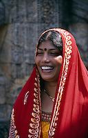 Besucher Sonnentempel in Konarak (Konark), Orissa, Indien, Unesco-Weltkulturerbe
