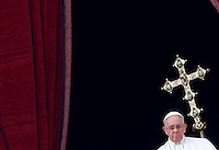 "Papa Francesco impartisce la Benedizione Urbi et Orbi in occasione del Natale, dalla loggia centrale della Basilica di San Pietro, Citta' del Vaticano, 25 dicembre 2014.<br /> Pope Francis delivers the ""Urbi et Orbi"" (""to the City and to the World)"" blessing on the occasion of the Christmas day from the central loggia of St. Peter's Basilica, Vatican, 25 December 2014.<br /> UPDATE IMAGES PRESS/Isabella Bonotto<br /> <br /> STRICTLY ONLY FOR EDITORIAL USE"
