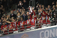 Wayne Rooney of Manchester United lifts the EFL Cup after the EFL Cup Final match <br /> Londra Wembley Stadium Southampton vs Manchester United - EFL League Cup Finale - 26/02/2017 <br /> Foto Phcimages/Panoramic/Insidefoto