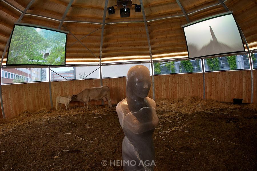 """Skulptur Projekte Muenster 4. .""""Petting Zoo (Streichelzoo)"""", 2007 by Mike Kelley."""