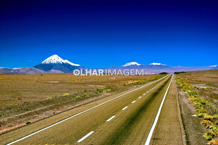 Estrada no Deserto do Atacama. Chile. 2004. Foto de Maristela Colucci.
