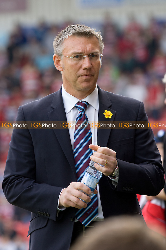 Manager: Nigel Adkins (Scunthorpe Utd). - Doncaster Rovers vs Scunthorpe United - Coca Cola Championship Football at Keepmoat Stadium - 24/04/10 - MANDATORY CREDIT: Mark Hodsman/TGSPHOTO - Self billing applies where appropriate - 0845 094 6026 - contact@tgsphoto.co.uk - NO UNPAID USE..