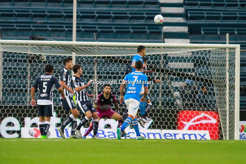 Ciudad de M&eacute;xico 27/Febrero/2016.<br /> Se llev&oacute; a cabo partido entre las escuadras del Cruz Azul Vs Monterrey, correspondiente a la jornada 8 del clausura 2016 de la liga Mx.<br /> Dicho partido culmino en un contundente triunfo para la maquina cementera que anot&oacute; 4 tantos, mientras que los rayados no pudieron concretar ni una jugada y se qued&oacute; con cero goles.<br /> Cabe destacar que los partidos entre estas escuadras han sido de goles, y en la historia de estos duelos hay registradas dos golizas de cruz azul ante monterrey, en el estadio azteca de 6-0 y en el estadio azul 6-1. Han disputado 22confrontaciones ha ganado 31, empatado 4 y perdido 9, con 111 anotaciones por 63 goles recibidos.