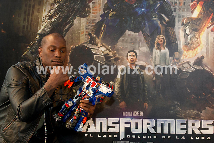 **ALL ROUND PICTURES FROM SOLARPIX.COM**                                             **WORLDWIDE SYNDICATION RIGHTS EXCEPT SPAIN - NO SYNDICATION IN SPAIN**                                                                                  Caption: Transformers photo call with producer Ian Bryce and actor Tyrese Gibson. Held at the Kinepolis, Madrid, Spain. 26 June 2011                                                                       This pic: Tyrese Gibson                                                                                                JOB REF: 13623 DMS Dolores      DATE: 26_06_2011                                                           **MUST CREDIT SOLARPIX.COM OR DOUBLE FEE WILL BE CHARGED**                                                                      **MUST AGREE FEE BEFORE ONLINE USAGE**                               **CALL US ON: +34 952 811 768 or LOW RATE FROM UK 0844 617 7637**