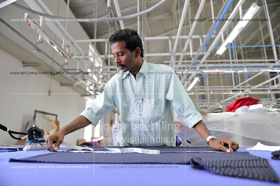 INDIA Tirupur , fair trade textile units , Century Apparels produces organic and fairtrade garments for Export / INDIEN Tamil Nadu, Tirupur,  fairtrade Textilbetriebe , Herstellung von oekologischen und fair gehandelten Textilien bei Century Apparels fuer den Export