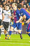 Ivan Rakitic of FC Barcelona runs with the ball during the La Liga 2017-18 match between Valencia CF and FC Barcelona at Estadio de Mestalla on November 26 2017 in Valencia, Spain. Photo by Maria Jose Segovia Carmona / Power Sport Images