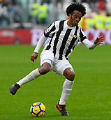 5th November 2017, Allianz Stadium, Turin, Italy; Serie A football, Juventus versus Benevento; Juan Cuadrado on the ball