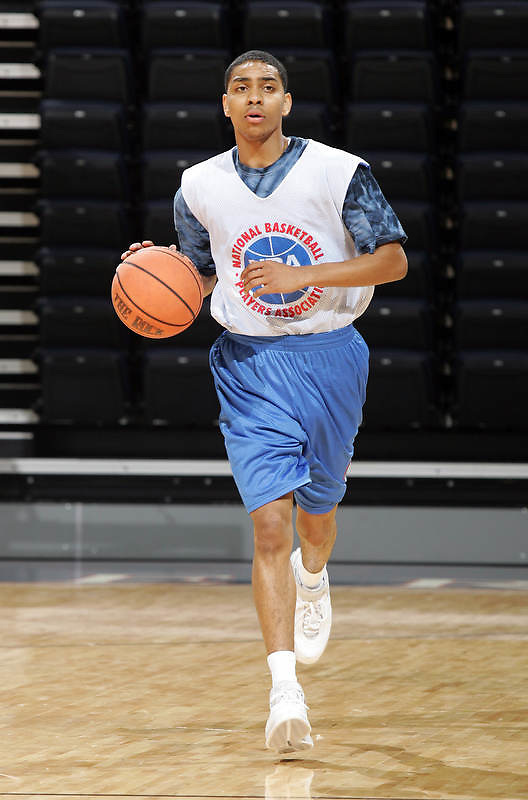 WF Teondre Williams (Norcross, GA / Meadowcreek) moves the ball during the NBA Top 100 Camp held Saturday June 23, 2007 at the John Paul Jones arena in Charlottesville, Va. (Photo/Andrew Shurtleff)
