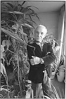 New York, NY Circa 1986 - Artist Alfred Levitt, (1894-2000) at the age of 93,  at  home in Greenwich Village.