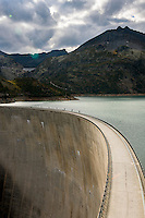 Switzerland, Canton Valais, above Finhaut near Martigny: reservoir Lac d'Émosson at 1.930m altitude with an arch dam (Barrage d'Émosson), at background dam of Lac du Vieux Émosson (2.205 m) | Schweiz, Kanton Wallis, oberhalb Finhaut bei Martigny: der Lac d'Émosson - Stausee auf 1.930 m Höhe mit einer Bogenstaumauer (Barrage d'Émosson), im Hintergrund die Staumauer des Lac du Vieux Émosson (2.205 m)