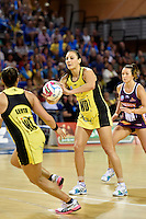 Joline Henry in action during the ANZ Championship - Mojo Pulse v Queensland Firebirds at Te Rauparaha Arena, Porirua, New Zealand on Sunday 8 March 2015. <br /> Photo by Masanori Udagawa. <br /> www.photowellington.photoshelter.com.