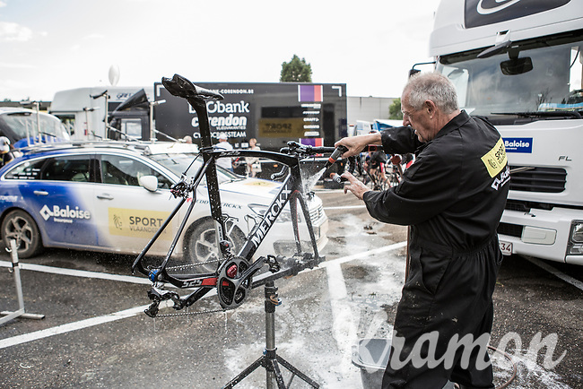 Sport Vlaanderen-Baloise post race bike cleaning<br /> <br /> 2nd Dwars door het Hageland 2017 (UCI 1.1)<br /> Aarschot > Diest : 193km