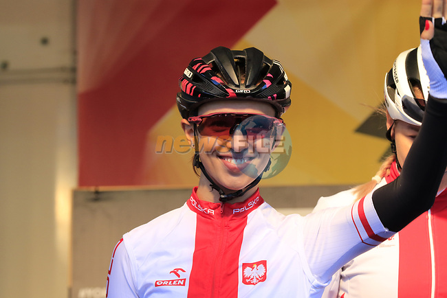 Katarzyna Niewiadoma of Poland at sign on for the start of the Women Elite Road Race of the UCI World Championships 2019 running 149.4km from Bradford to Harrogate, England. 28th September 2019.<br /> Picture: Eoin Clarke | Cyclefile<br /> <br /> All photos usage must carry mandatory copyright credit (© Cyclefile | Eoin Clarke)