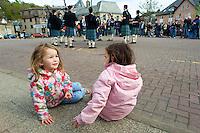 """Traditionelles Oban Music-Festival.<br /> Die Staemme der Region treten bei dem mehrtaegigen Festival mit """"Bagpipes and Drums"""" (Dudelsack und Trommel) zum Wettstreit an.<br /> 3.5.2008, Oban/Schottland<br /> Copyright: Christian-Ditsch.de<br /> [Inhaltsveraendernde Manipulation des Fotos nur nach ausdruecklicher Genehmigung des Fotografen. Vereinbarungen ueber Abtretung von Persoenlichkeitsrechten/Model Release der abgebildeten Person/Personen liegen nicht vor. NO MODEL RELEASE! Nur fuer Redaktionelle Zwecke. Don't publish without copyright Christian-Ditsch.de, Veroeffentlichung nur mit Fotografennennung, sowie gegen Honorar, MwSt. und Beleg. Konto: I N G - D i B a, IBAN DE58500105175400192269, BIC INGDDEFFXXX, Kontakt: post@christian-ditsch.de<br /> Bei der Bearbeitung der Dateiinformationen darf die Urheberkennzeichnung in den EXIF- und  IPTC-Daten nicht entfernt werden, diese sind in digitalen Medien nach §95c UrhG rechtlich geschützt. Der Urhebervermerk wird gemaess §13 UrhG verlangt.]"""