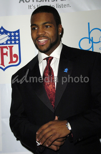 "14 March 2007 - New York, New York - Braylon Edwards. ""Kickoff For A Cure II"" Benefit Gala to benefit Autism Speaks and The Gillen Brewer School for children with disabilities at the Waldorf-Astoria Hotel. Photo Credit: Bill Lyons/AdMedia *** Local Caption ***"
