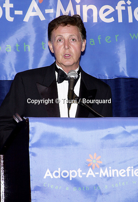 Goodwill Ambassadors Sir Paul McCartney  at the first Annual  Adopt-A-Minefield Gala at the Regent Beverly in Los Angeles  June 14, 2001   © Tsuni          -            McCartneyPaul03.jpg